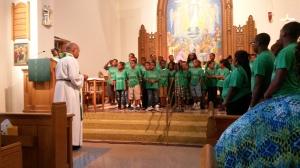 The children sing.